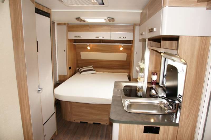 B rstner premio 490 ts colpo d 39 occhio sulla caravan camper life - Pronto letto camper ...