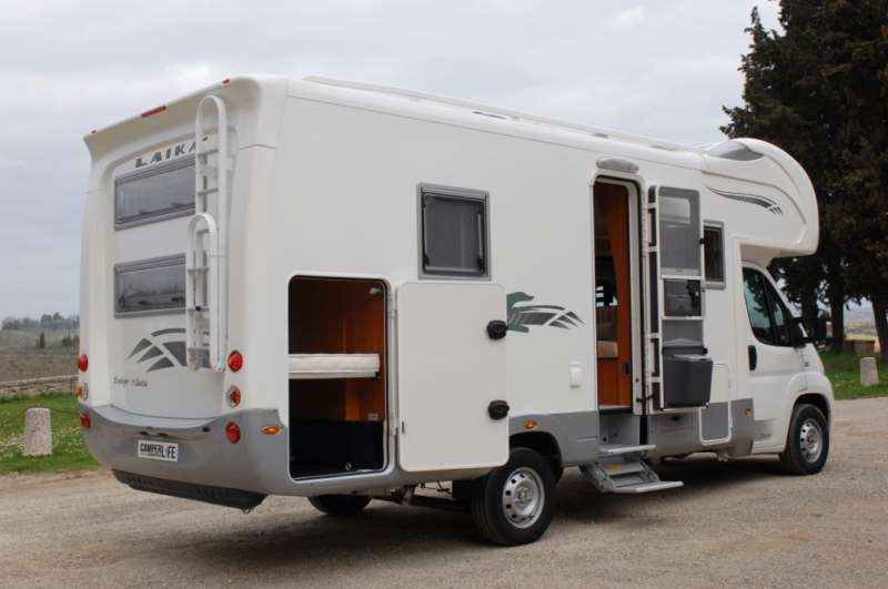Laika ecovip 1 classic camper usati camper life for Case con annesso garage per camper
