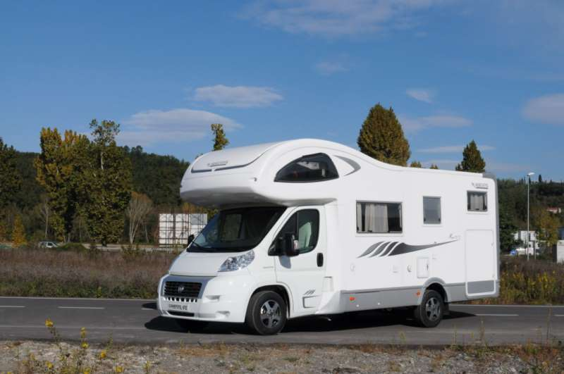 Mobilvetta kea m72 70 e 71 camper usati camper life for Case con annesso garage per camper