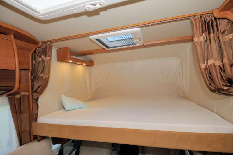 Carthago c compactline i 138 prova on the road camper life for Finestra basculante