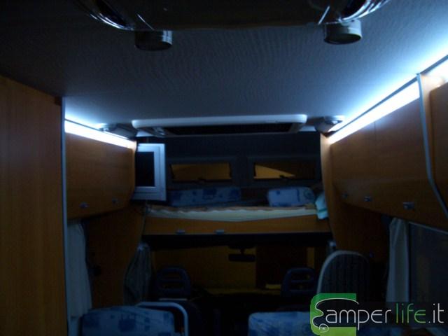Illuminazione con i led all interno del camper camper life