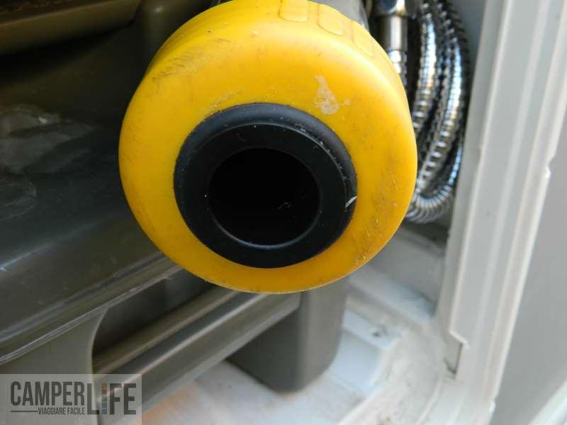 Montaggio di un sistema di ventilazione per la cassetta - Cattivo odore bagno tubo di sfiato ...