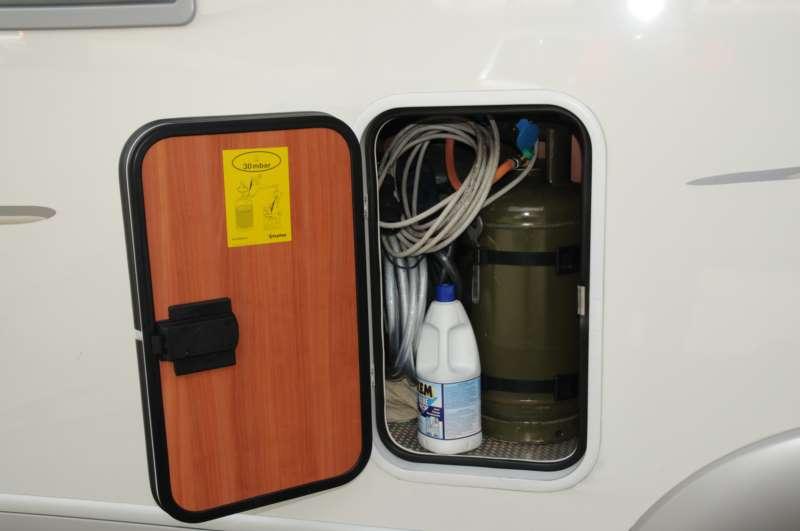 Il serbatoio centralizzato del gas le inchieste di camperlife camper life - Bombolone gas interrato ...