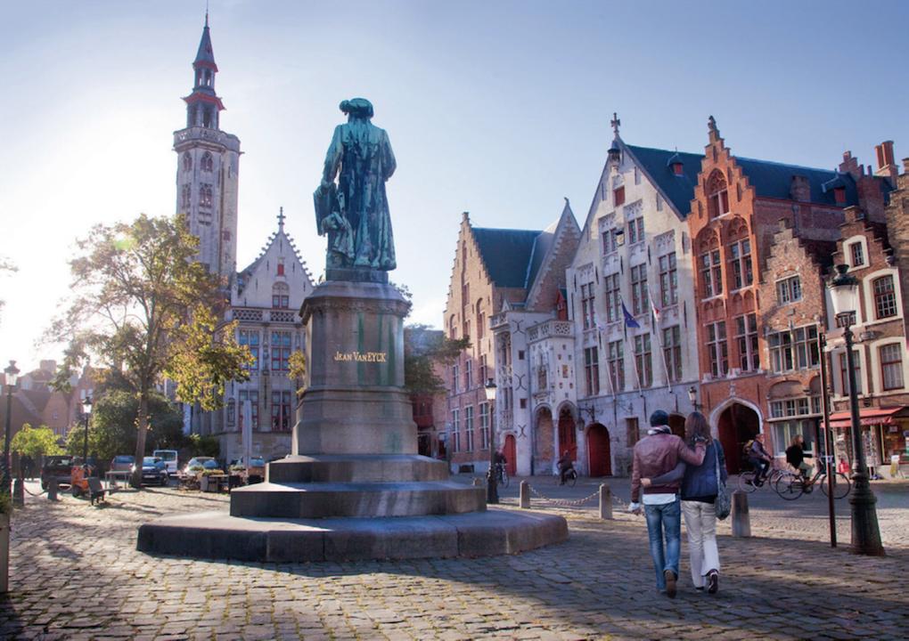 Bruges statua Jav Van Eyck ©Jan D'Hondt/Visit Flanders