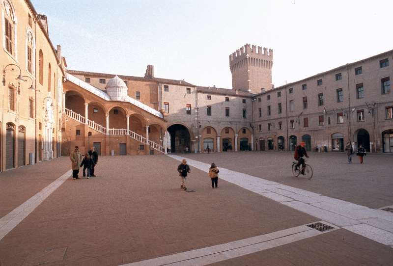 Ufficio Turismo A Ferrara : Le mille meraviglie di ferrara camper life