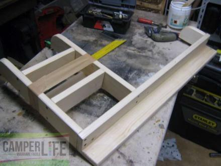 è necessario acquistare delle assi di legno già levigate (da Brico ...