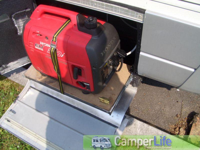 Porta gruppo elettrogeno per il camper camperlife for Generatore di corrente honda usato