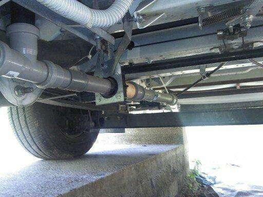 Mobilvetta kea m74 modifica serbatoi acque grigie for Tubo di scarico del riscaldatore dell acqua