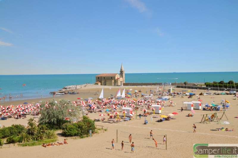 Matrimonio Spiaggia Caorle : Vacanze al mare la costa est da nord a sud per scoprire l