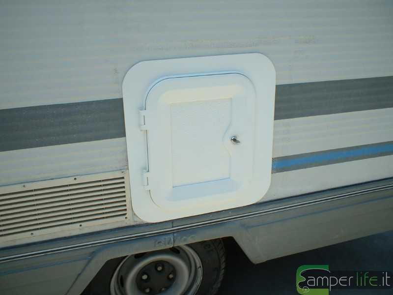 Rifacimento wc rimor trimarano camper life - Bagno camper fai da te ...