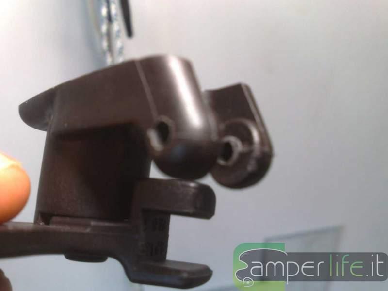 Come riparare il braccetto delle finestre seitz camper life - Finestre per camper seitz dometic ...