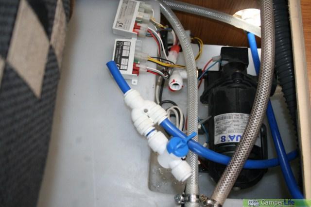 Montaggio della doccia esterna su superbrig camper life for Tipi di tubi utilizzati nell impianto idraulico