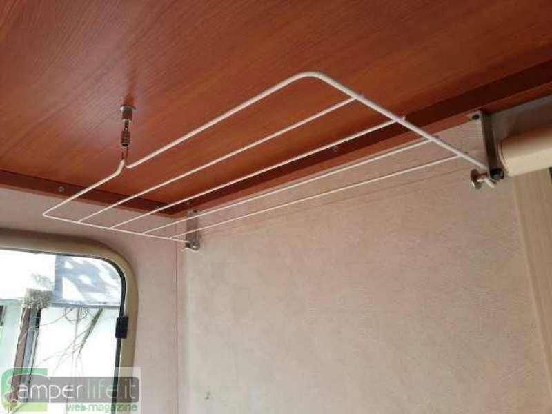 Ricavare spazio nel garage del duke 37 camper life for Staffe per mensole richiudibili