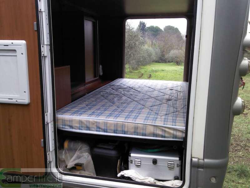 Mobilvetta kea modifica del matrimoniale posteriore for Arredamento per camper