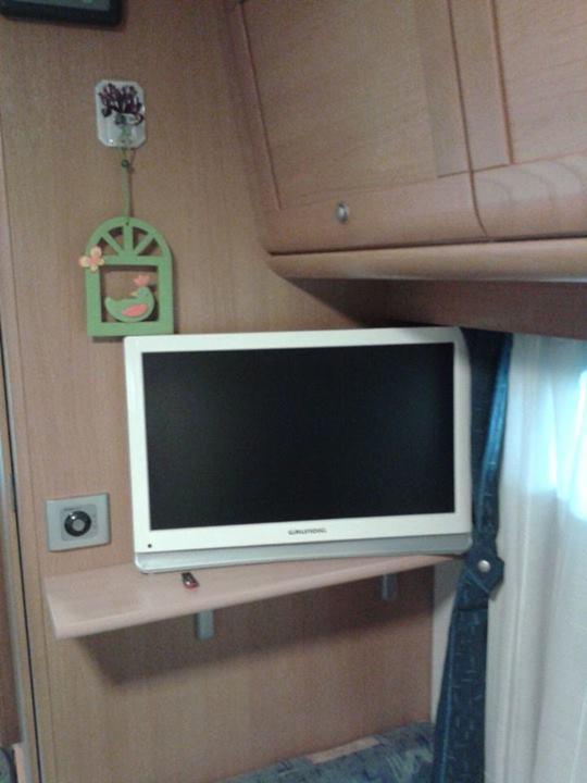 Istallare un porta TV | Camper Life