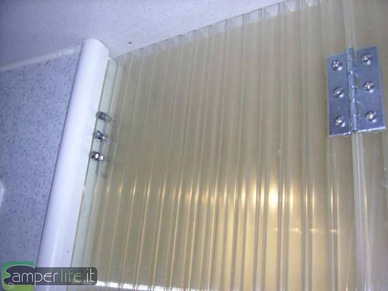 Porta rigida doccia su rimor sb678 camper life - Tende per doccia rigide ...