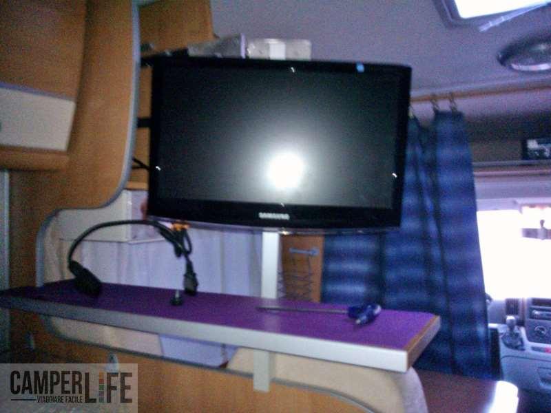 Braccio portatv estensibile camper life - Braccio mobile per tv ...