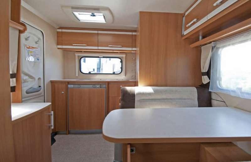 Test caravan sterckeman aliz 420 cp camper life for Stipetto bagno