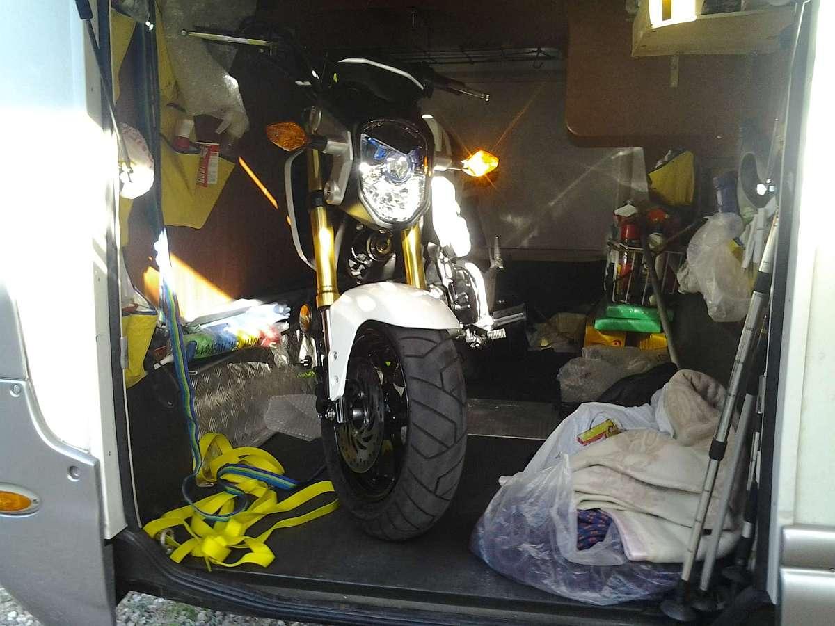 Una moto da camper honda msx125 monkey pgm fi camper life for Disegni di garage rv