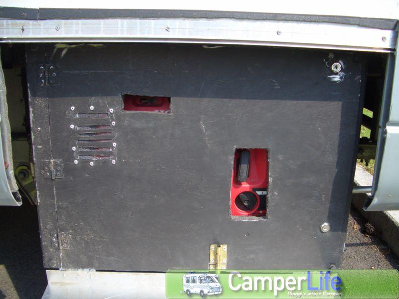 Porta gruppo elettrogeno per il camper camper life - Insonorizzare porta ...