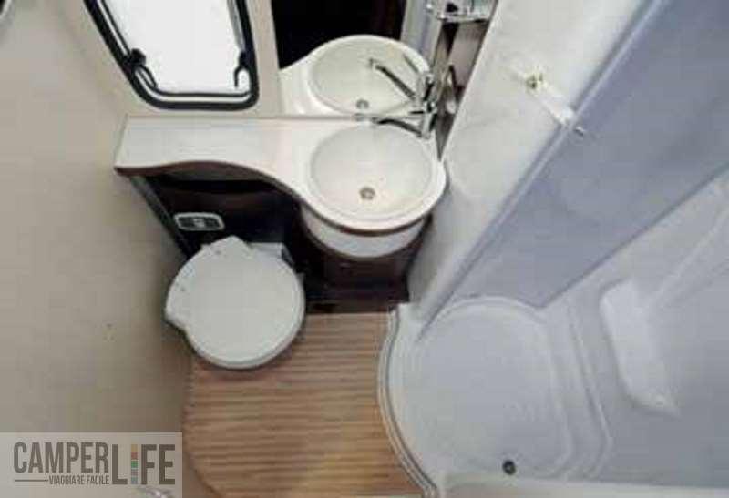 Lavandino ad angolo dxsx per bagno di. bagni prodotti in serie