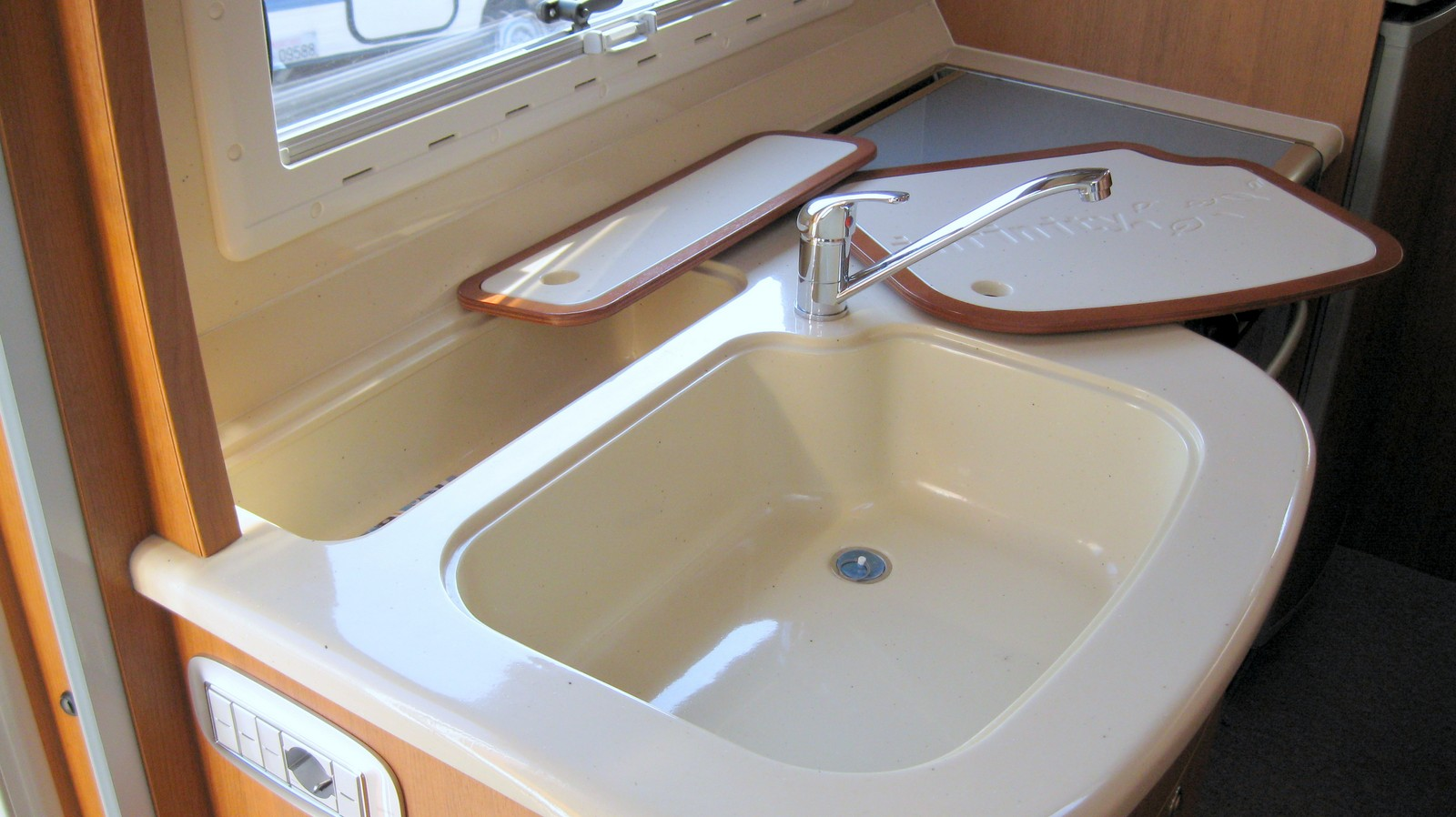 Gocciolatoio piatti pensile - Sifone lavandino cucina ...
