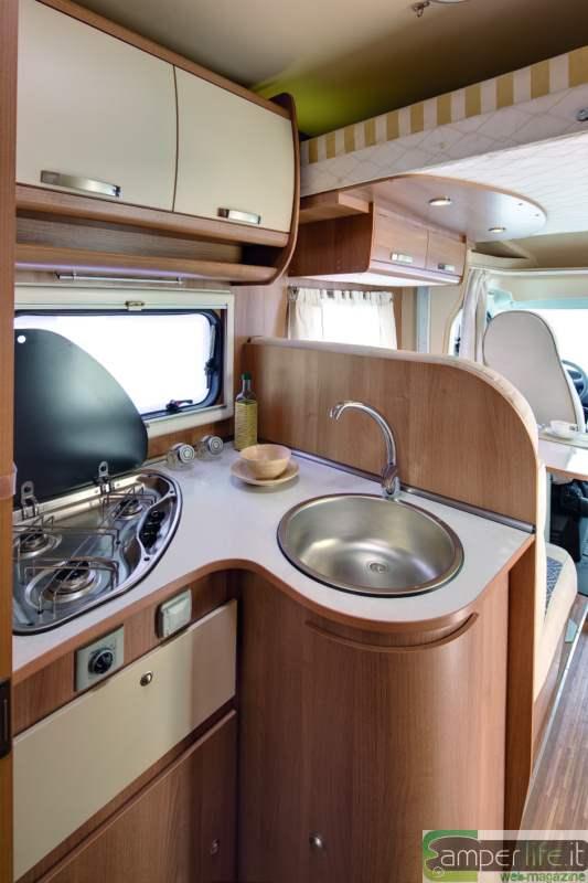 Camper in prova plasy hp 75 camper life - Blocco cucina 160 cm ...