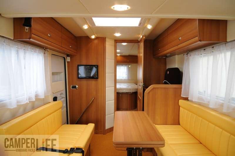 Supertest vas indigo 680 camper life for Arredamento per camper