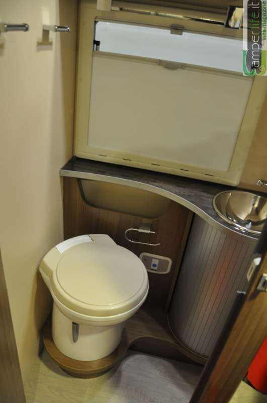 Chausson welcome 79 eb titanium test di camperlife camper life - Rifare il bagno del camper ...