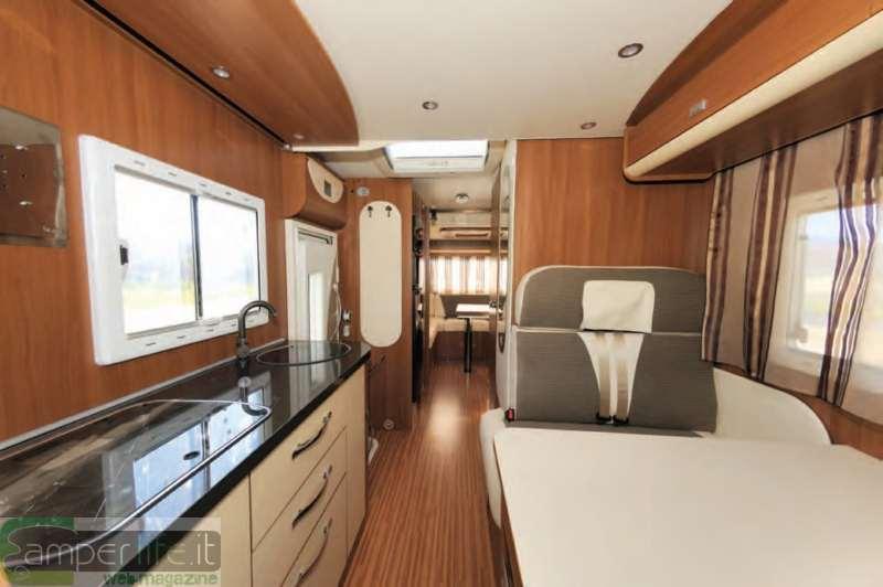 Rivestimento soffitto camper ispirazione design casa - Interni casa classica ...