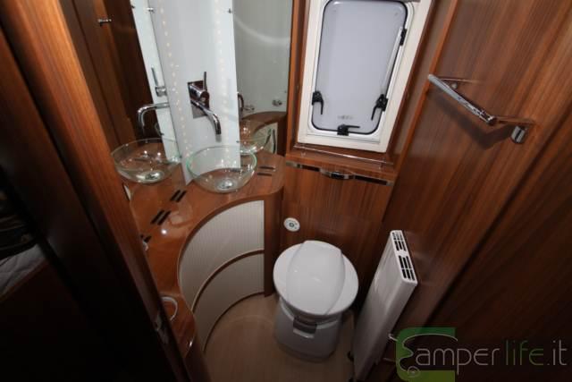 S yacht nuova ammiraglia mobilvetta camper life - Bagno per camper ...
