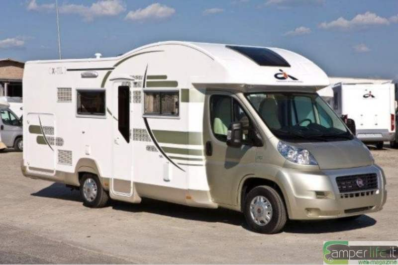 Ci x til garage m un mezzo per tutta la famiglia camper for Garage per due auto e mezzo